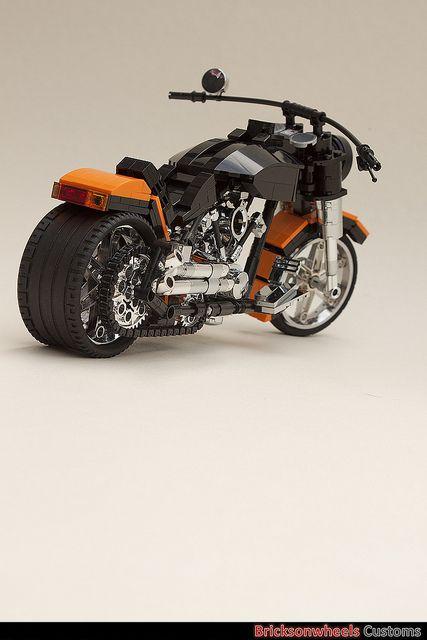 Harley Davidson Fatboy | Harley Davidson Fatboy (1:10) in Lego | Flickr - Photo Sharing!