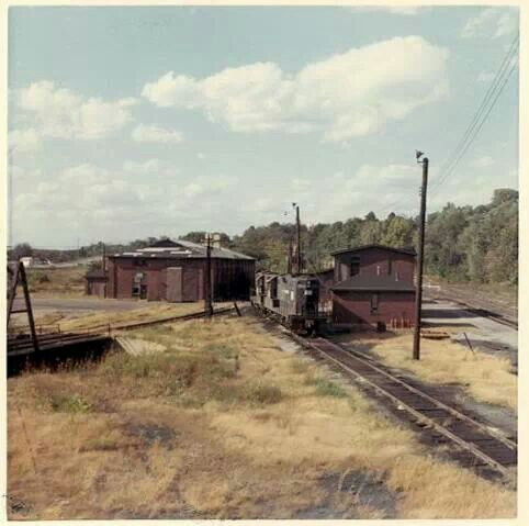 Final years of the Penn Central yard in Cambridge, Ohio  My