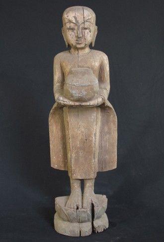 Antique Burmese monk Material: Wood 60 cm high 19th century Originating from Burma Price: 300 euro