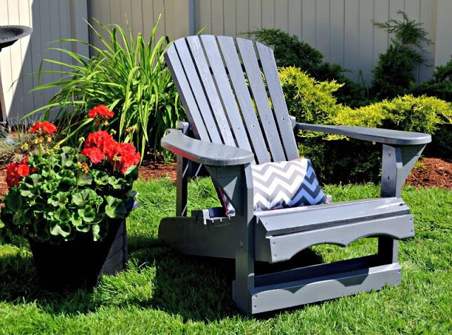 Adirondack chair refresh with a paint sprayer plus a giveaway!   Holy Craft: Adirondack chair refresh with a paint sprayer plus a giveaway!