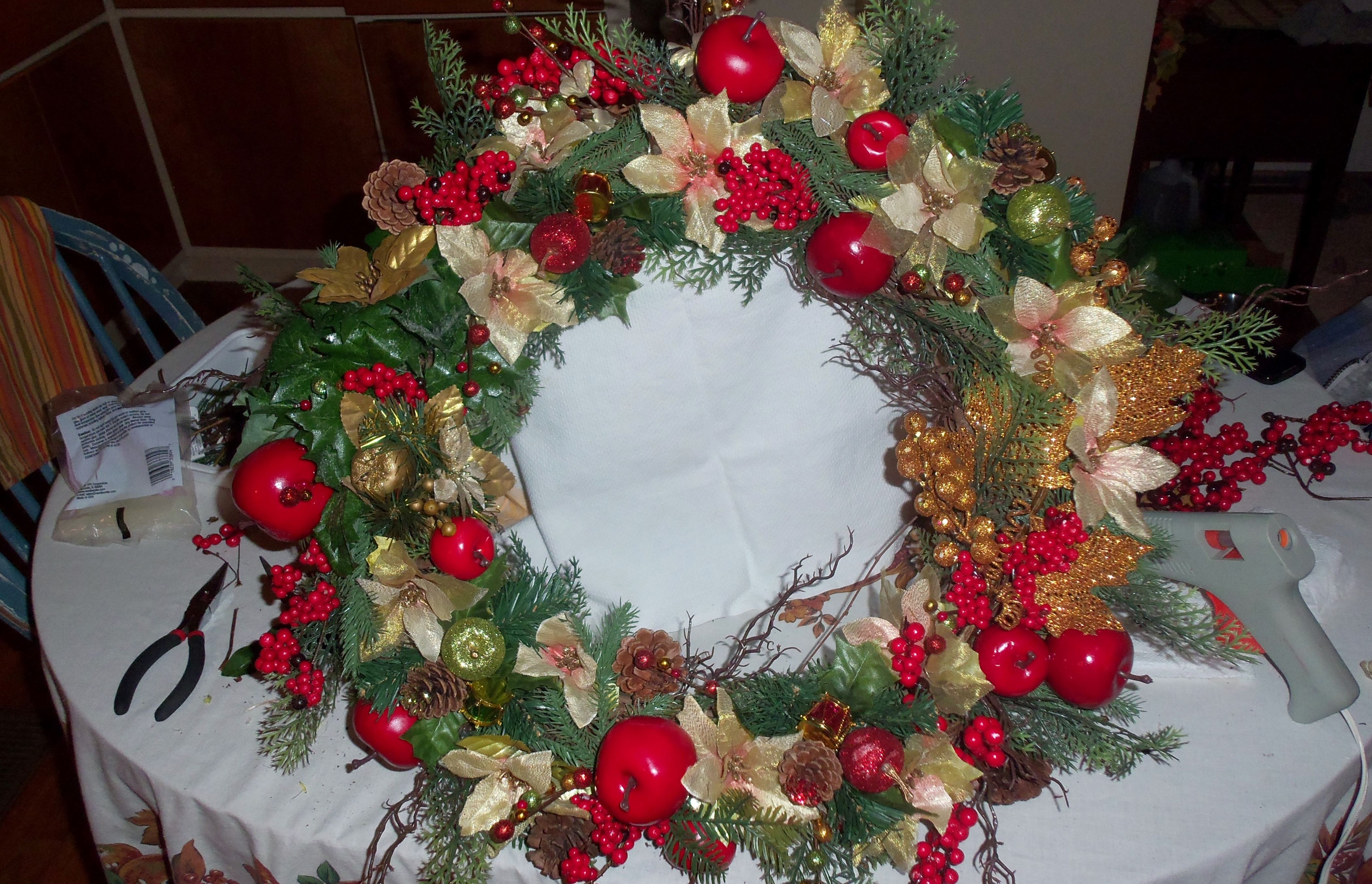 back in january i went to michaels and purchased 6800 worth of christmas decorations for 90 off the other day i purchased the wooden wreath for 200 at - Michaels Christmas Eve Hours