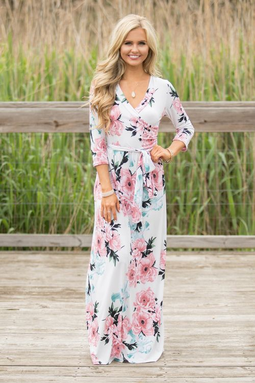 41172e8cb830 This stunning maxi dress is straight out of a love song! Featuring a  gorgeous floral print in light pink