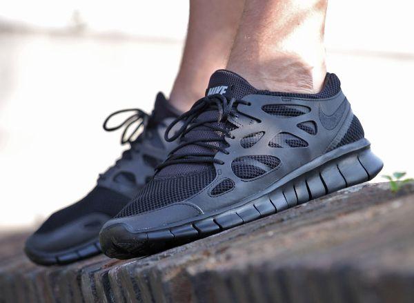 acheter en ligne 3d884 4cf99 Nike Free Run 2 'Triple Black' | men shoes | Chaussure nike ...