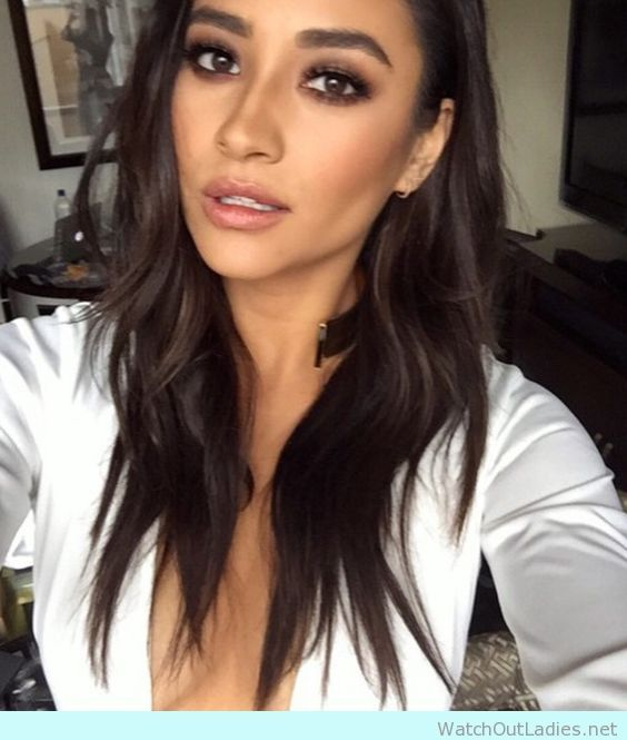 13 Beach Wedding Hair Ideas You Need To See Right Now: Shay Mitchell Makeup Style! Absolutely Gorgeous! Check Now
