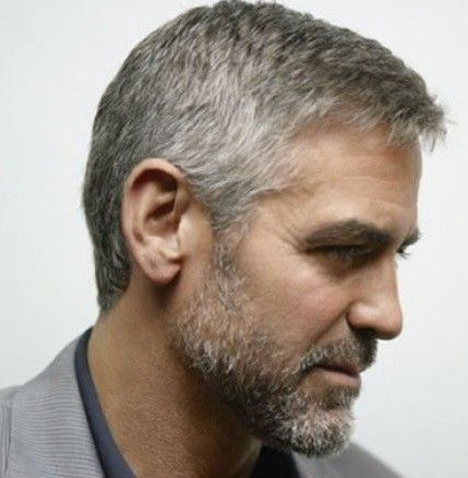George Clooney S Hairstyle Simple And Classy Hairstyle On Point Mens Hairstyles Short Mens Hairstyles Mens Haircuts Short