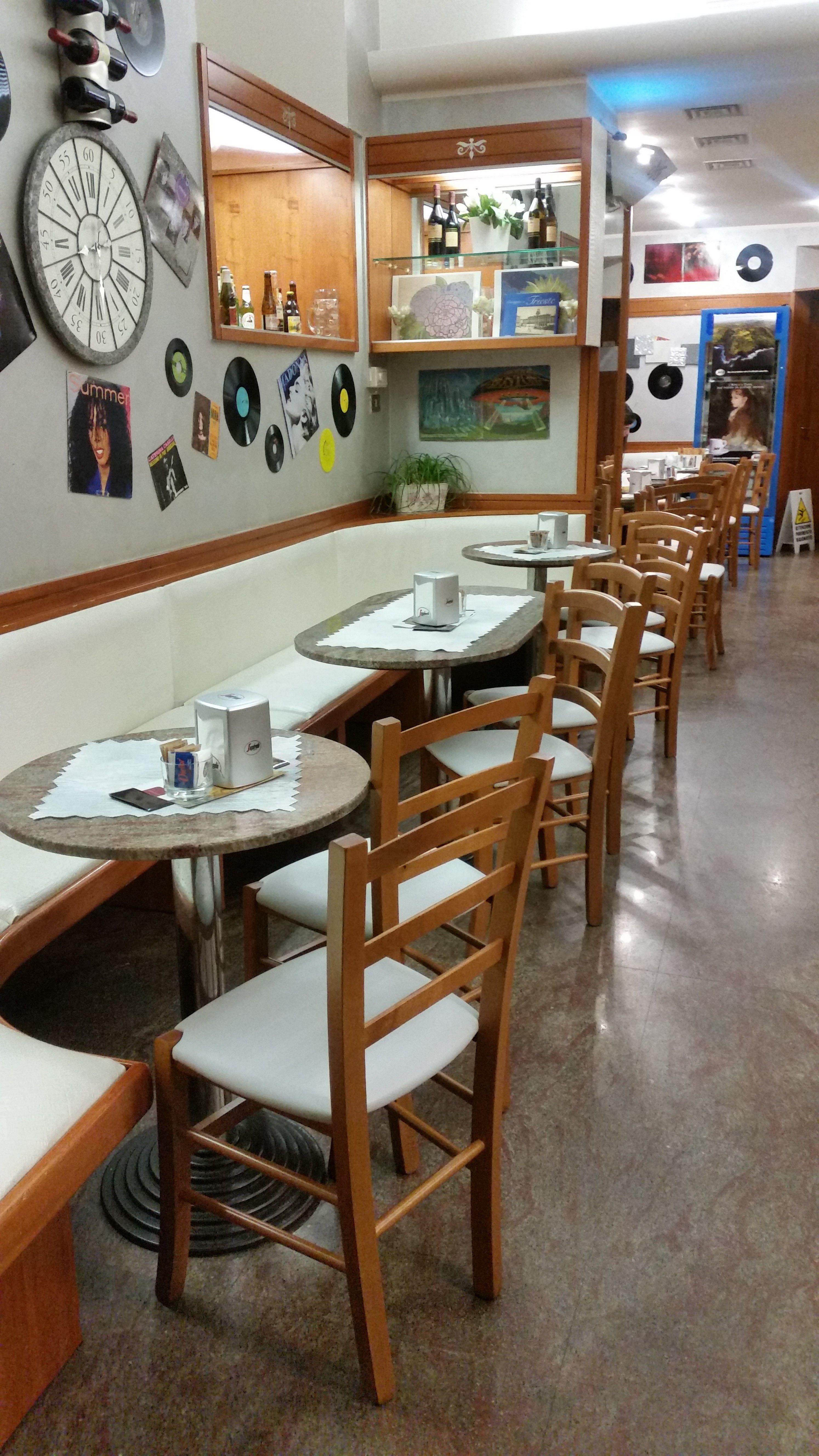 Se e tavoli Pub Ristoranti Pizzerie MAIERON SNC Pub Pizzerie Ristoranti …