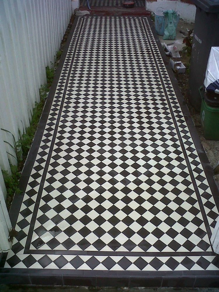 60 x Black and White Victorian Reproduction Floor Tiles Free P&P ...