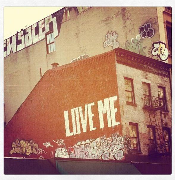 Love me graffiti art
