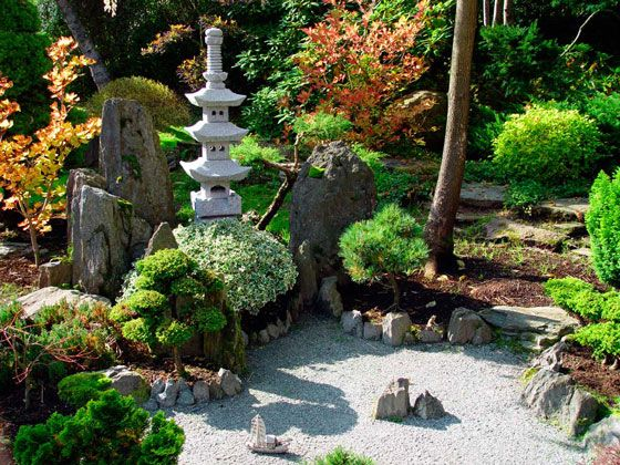 Ligthly And Beautiful Small Japanese Garden Photos With Stone