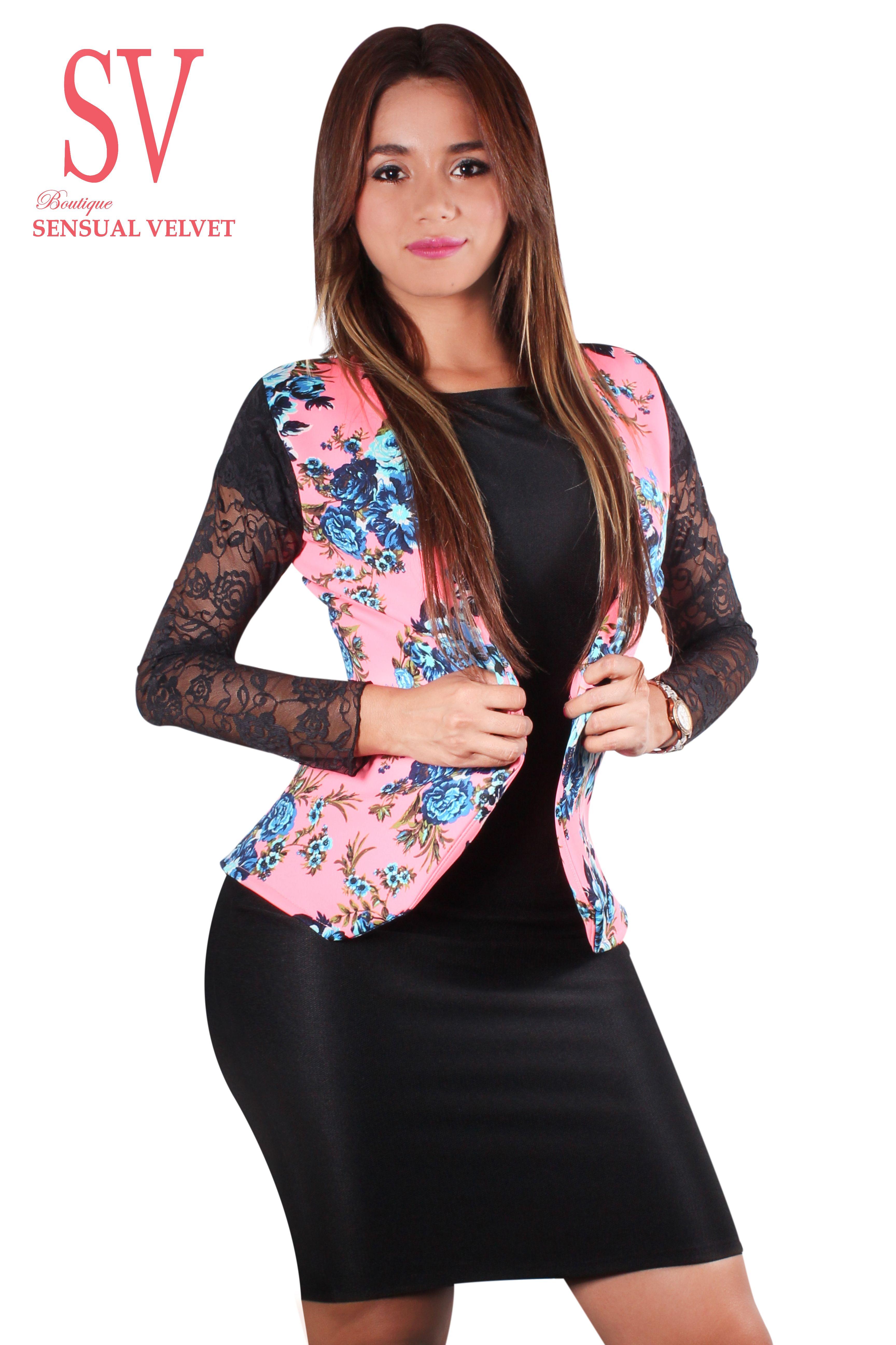 Chaqueta inspirada en la moda actual una magnifica combinación de estampados florales y randa  para dar un toque elegante y exclusivo a tu vestuario.  $ 35 http://sensualvelvet.com/2014/11/20/chaqueta-floreada-de-randa/