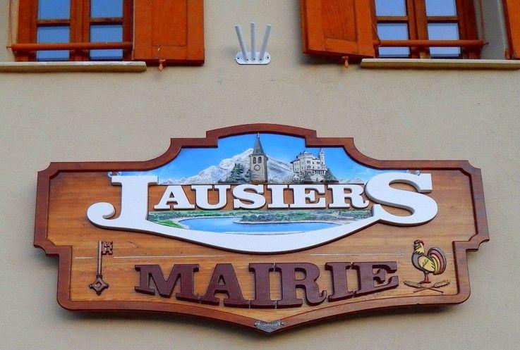 Enseigne en bois Mairie de Jausiers Enseigne en bois relief Ville de Jausiers Pinterest # Enseigne En Bois Personnalisé