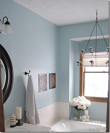 Oak Bathroom Light Fixtures: Blue & Taupe Bathroom Agrees With Taupe Tile And Oak Trim