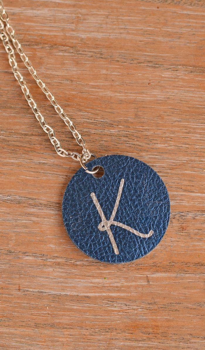Photo of Preiswerter Hobbies-Circle Initial Pendant {ein Cricut-Projekt und eine Geschenkidee gemacht …