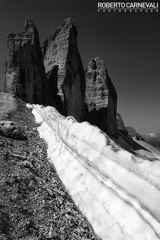 """""""Drei Zinnen"""" - (Le Tre Cime di Lavaredo)  Le Tre Cime di Lavaredo (Drei Zinnen) rappresentano uno dei luoghi più caratteristici ed unici delle Dolomiti di Sesto.  Sesto - Dolomiti - Italy"""