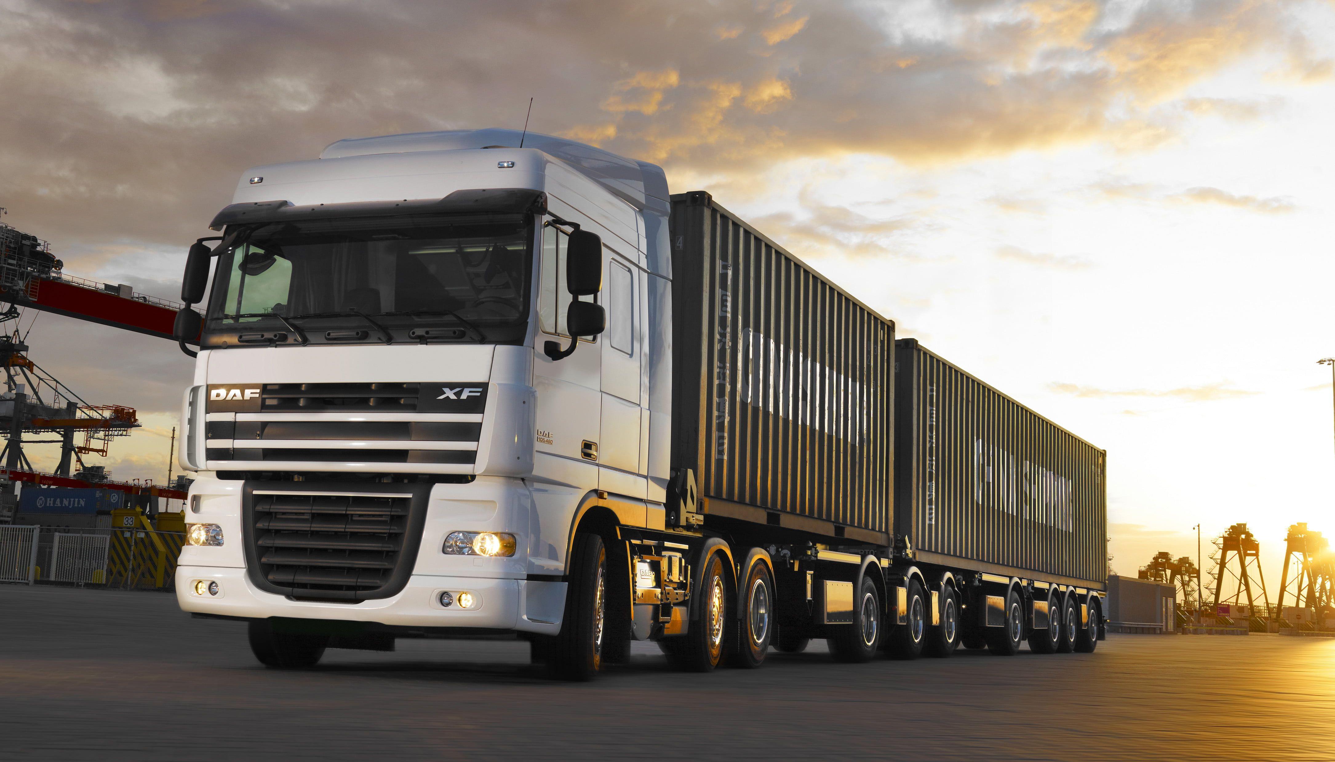 Black And White Freight Truck Truck Daf Xf105 A Container Ship Cranes 4k Wallpaper Hdwallpaper Desktop Trasporti Auto