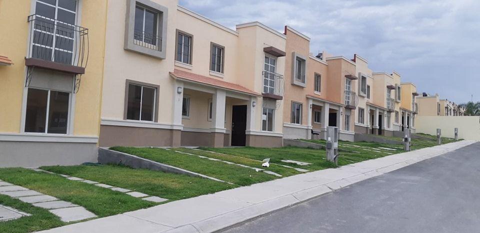 Casas En Venta En Ciudad Del Sol Queretaro Modelo Soria Entrada Para 2 Autos Doble Seguridad Accesos Co Remate De Casas Casas En Venta Casas