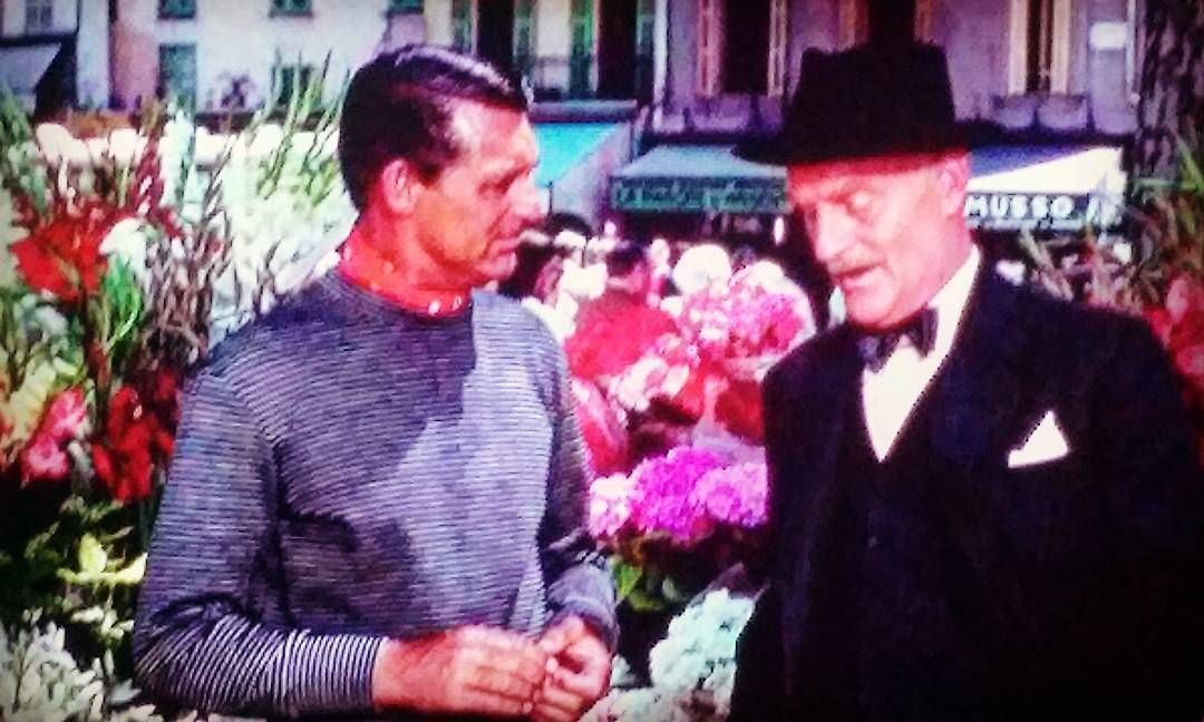 Watching To Catch. A Thief #alfredhitchcock #carygrant