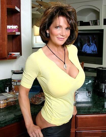 Belle femme mature nue