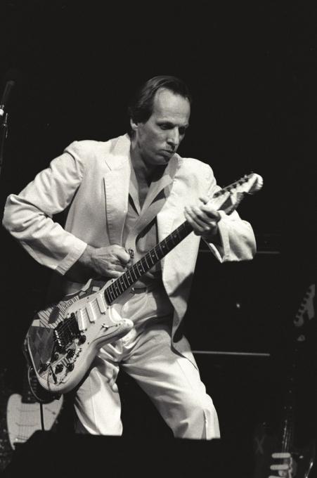 Pin By George Ezzell On Adrian Belew Adrian Belew Progressive Rock Famous Guitars