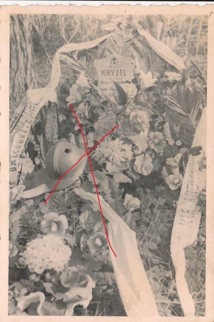 Nr.6982 Foto 2,Weltkrieg Polnisches Heldengrab Stahlhelm Polen | eBay
