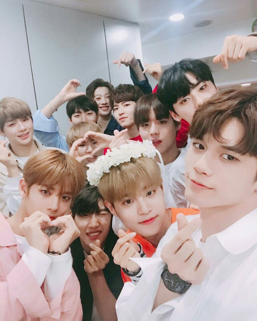 PRODUCE 101 WANNA ONE