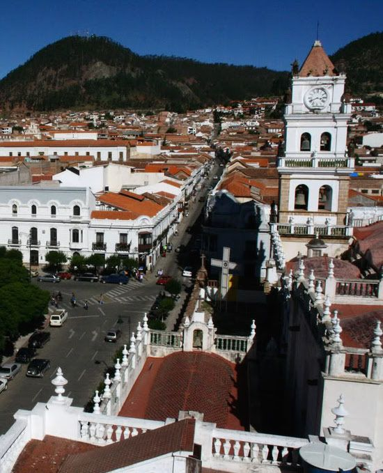 Sucre Is The Constitutional Capital Of Bolivia But About 100 Years Ago La Paz Became The Largest And W Sucre Bolivia Around The World In 80 Days Bolivia Travel