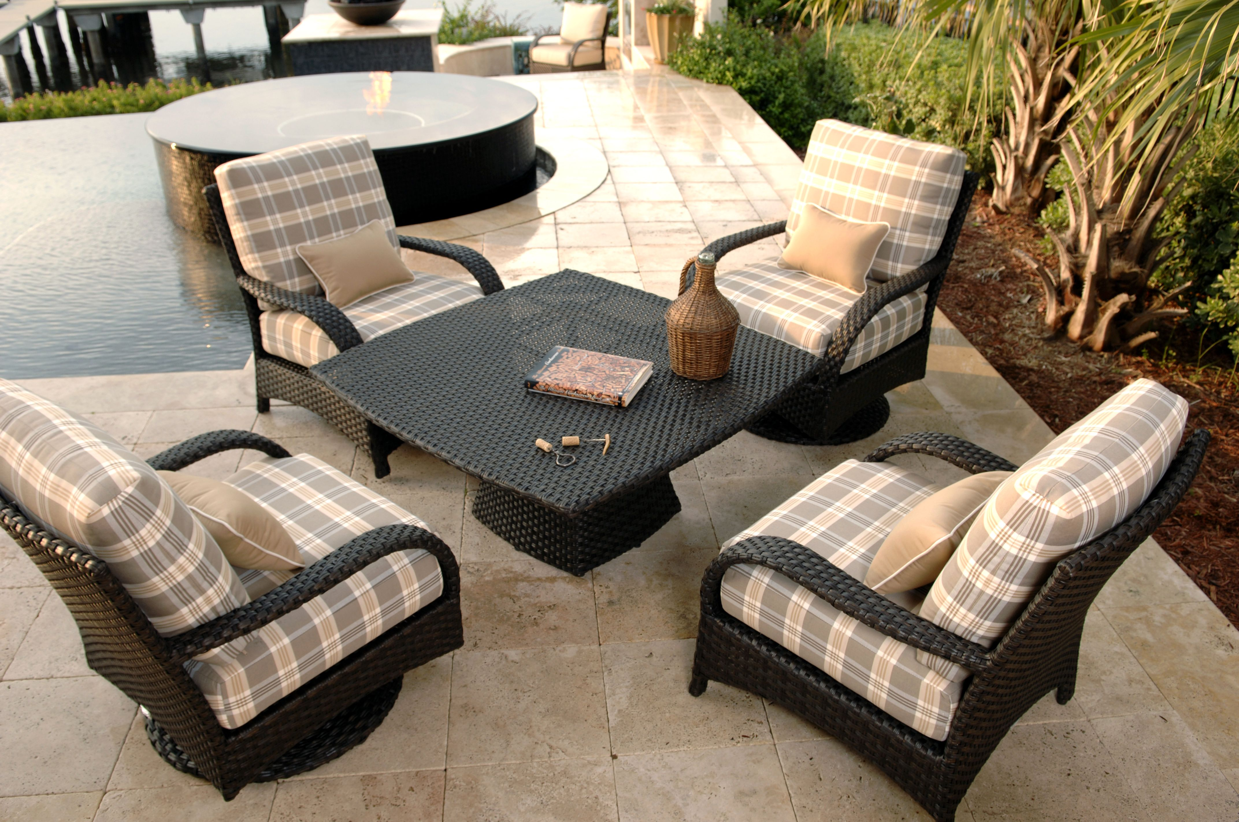 Ebel Martinique Collection 5 Piece Wicker Chat Group Outdoor