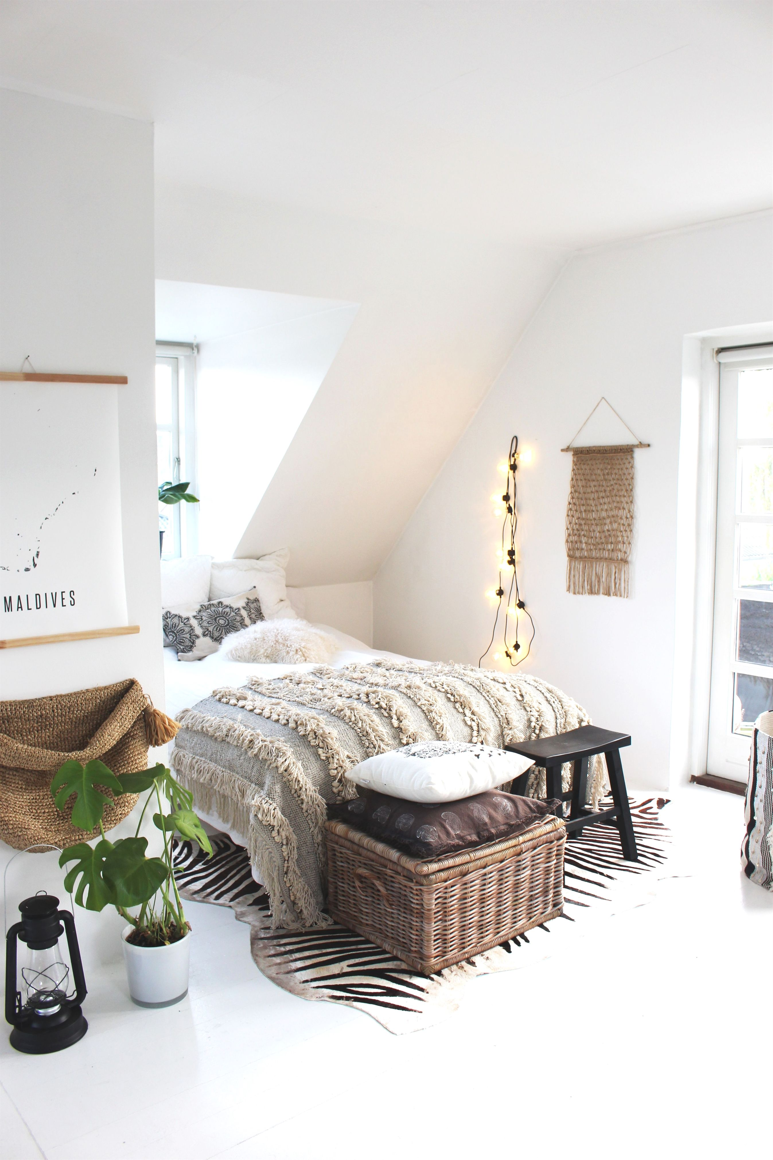 Kirsten Shome Is A Perfect Mix Of Boho And Danish Style Inspired By Her Travels All Around The World Bohemianbedroomdecor