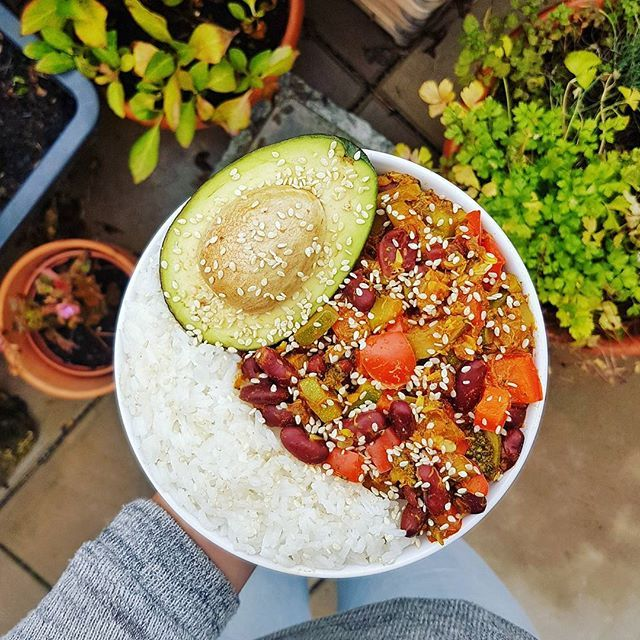 Hello everyone💕🍁🍃🌂🌦 Lunch was rice🍚 with veggies🍅🌱, kidney beans & avocado😍👌 Have a great day😊💖  Yummery - best recipes. Follow Us! #veganfoodporn