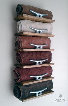 Rustic Nautical Towel Rack   6 Shelves