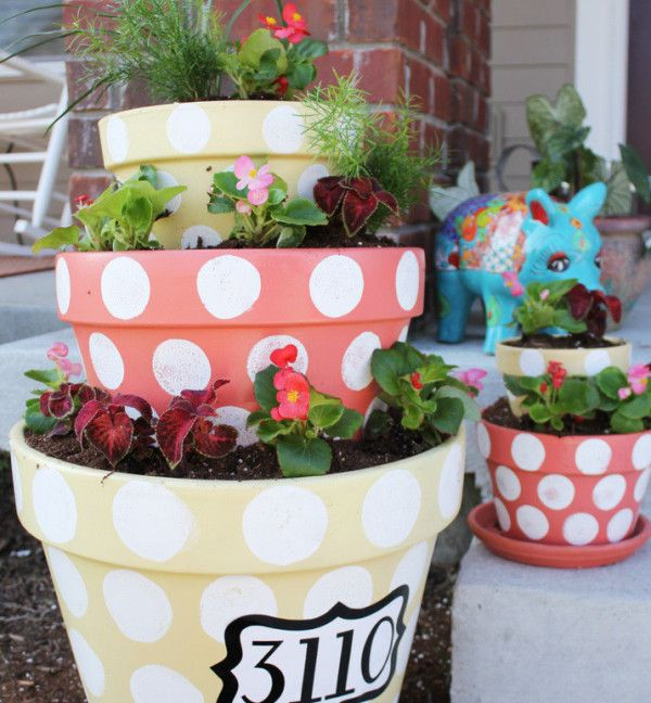 Stacked Flower Pots-what a cute idea!