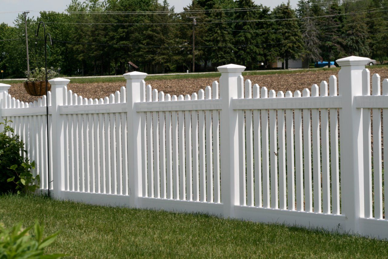 Installing Pvc Fence Panels In 2020 With Images White Vinyl
