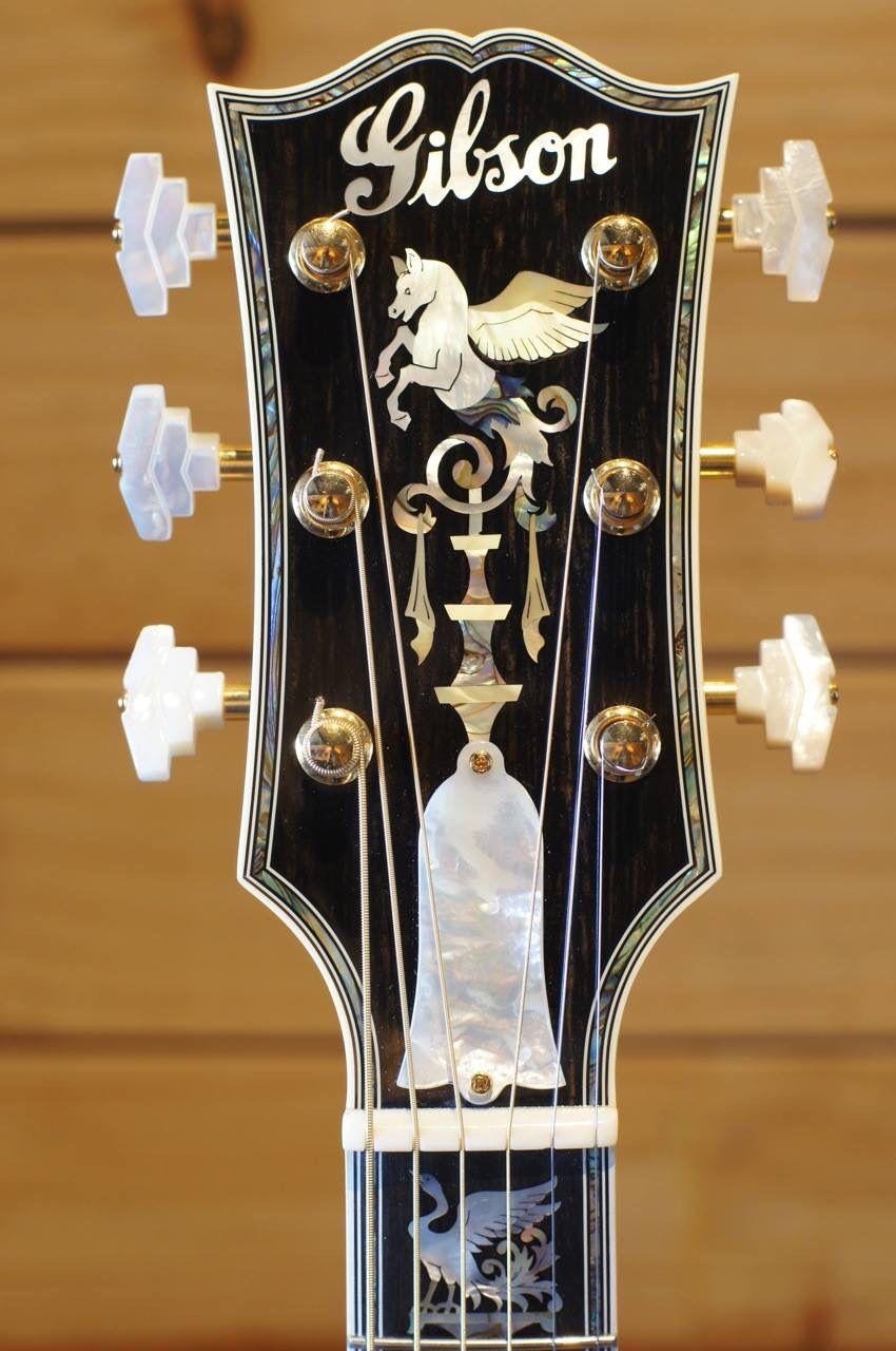 Gibson Custom Jumbo Acoustic Guitar - Headstock