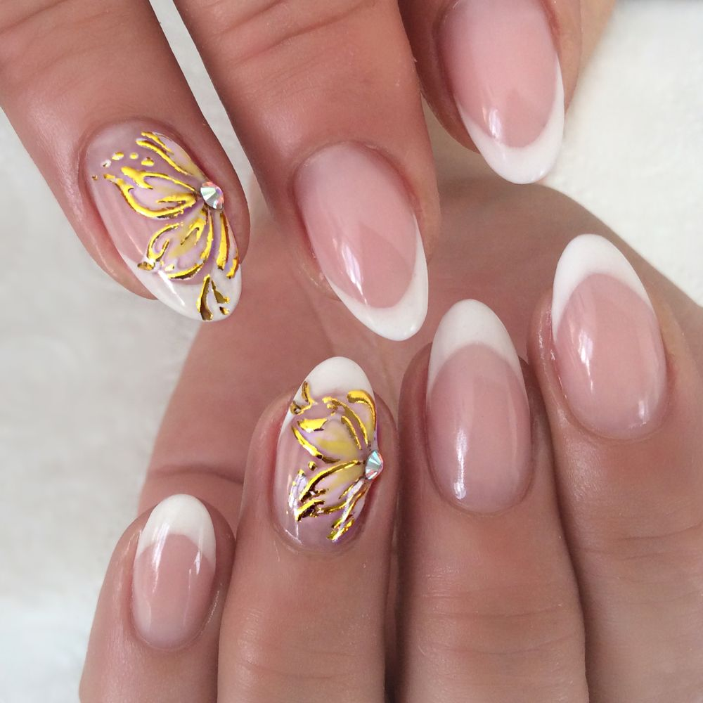 goda flawless nails | Short Oval French + Flower Design on 2 nails ...