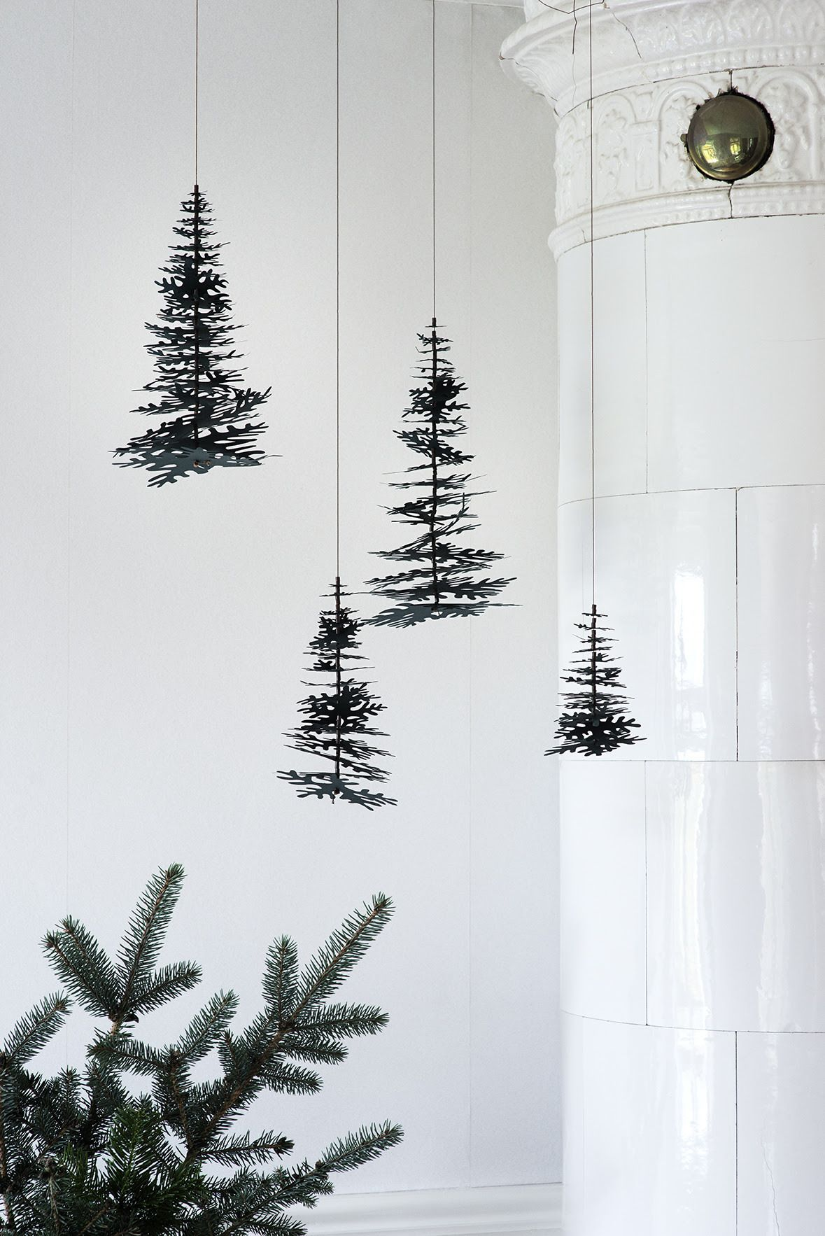Nordic Christmas. Pine cones and graphical spruces in nice 3D DIY ...
