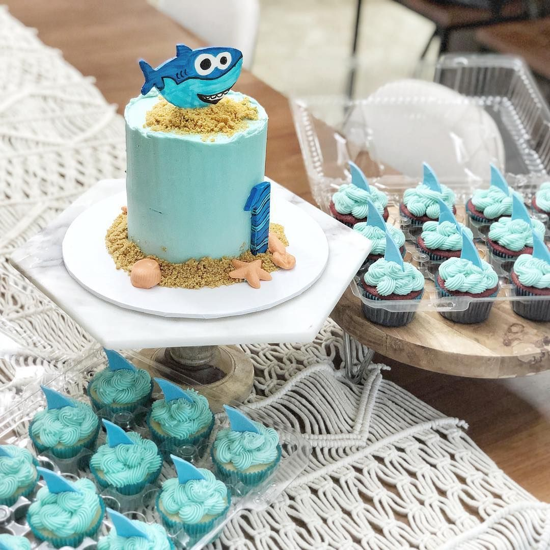 """77 """"Baby Shark"""" Cake Ideas to Steal For Your Child's Next"""