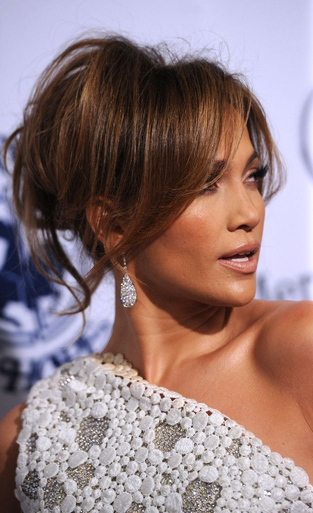 Jennifer Lopez Loose Bun Jennifer Lopez Hair Hair Styles Long Hair Styles