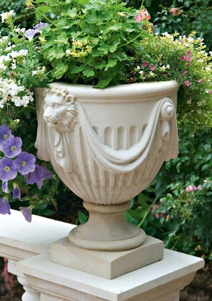 A Cast Stone Vase In The Style Of Renowned 18th Century Architect Robert Adam 20 75 H X 19 25 W Gbp 159 Brightsofnettlebed Co Uk Iskusstvo Stone Plante