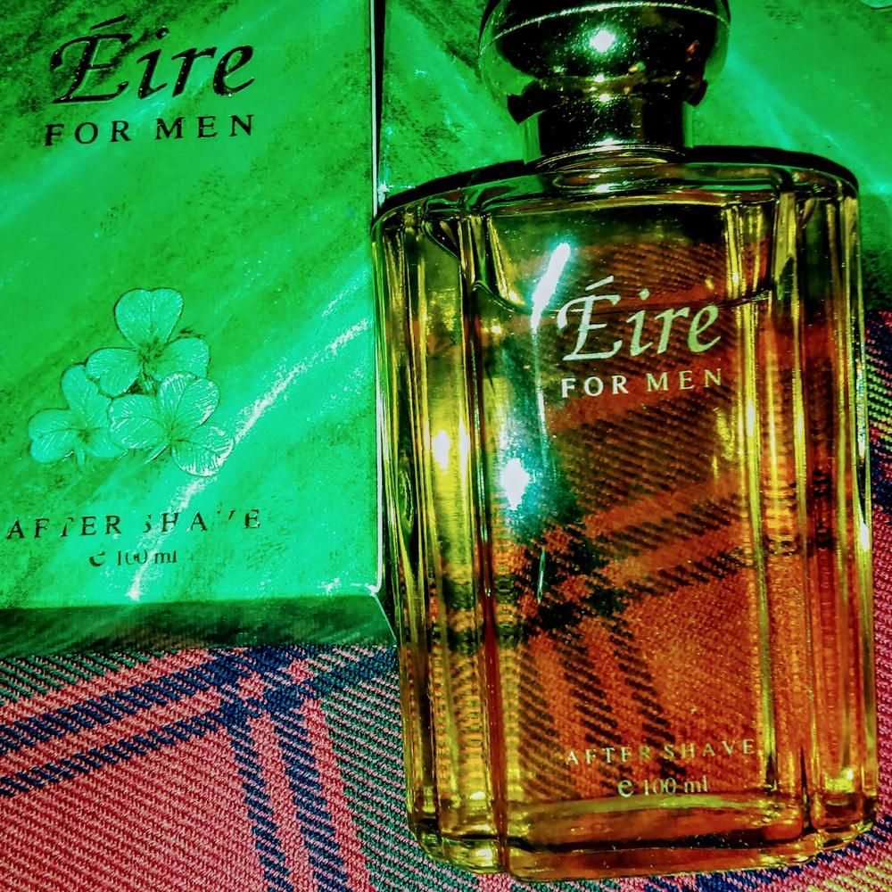 """Wrap yourself in the haunting aroma of the Emerald Isle - this light, fresh Aftershave for gents  is imported from Lamoras Fragrances of County Wicklow, Ireland.  The name Eire being derived from Irish Gaelic, may mean """"Abundant Land"""" in Old Irish.   1.75oz. - 50ml."""