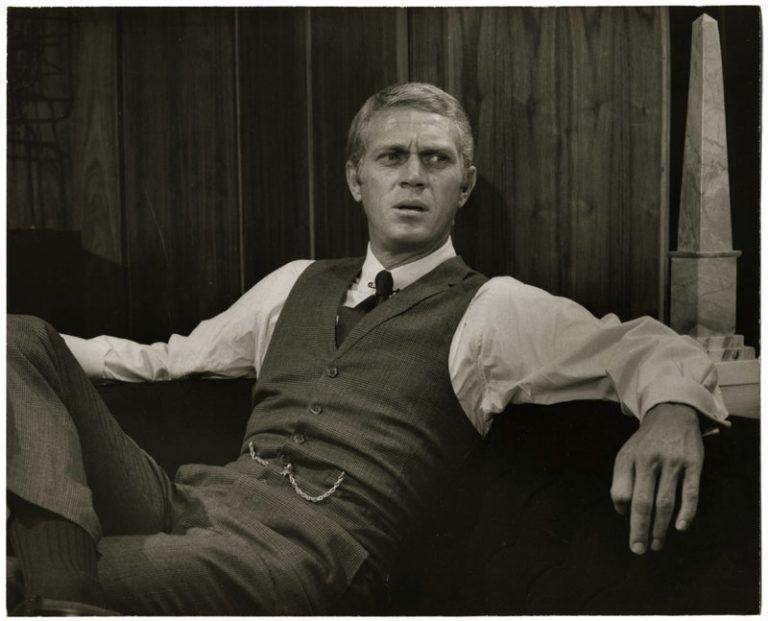 Steve McQueen dans le costume de Thomas Crown - Photo Memory | Steve mcqueen,  Style de steve mcqueen, Mcqueen