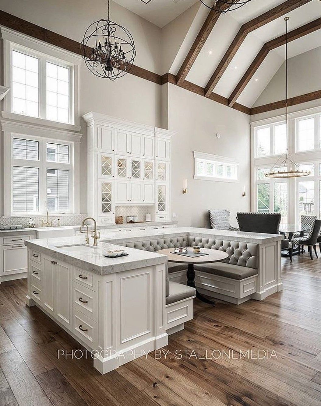 Vaulted ceilings with wooden beams | flat | Pinterest | Küche ...
