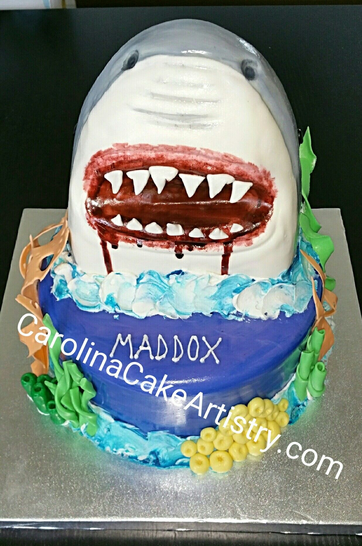 Watch out for this scary man eating shark rthday cake