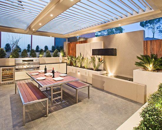 Outdoor #kitchen #jardineras #terraza #palmas #areasverdes