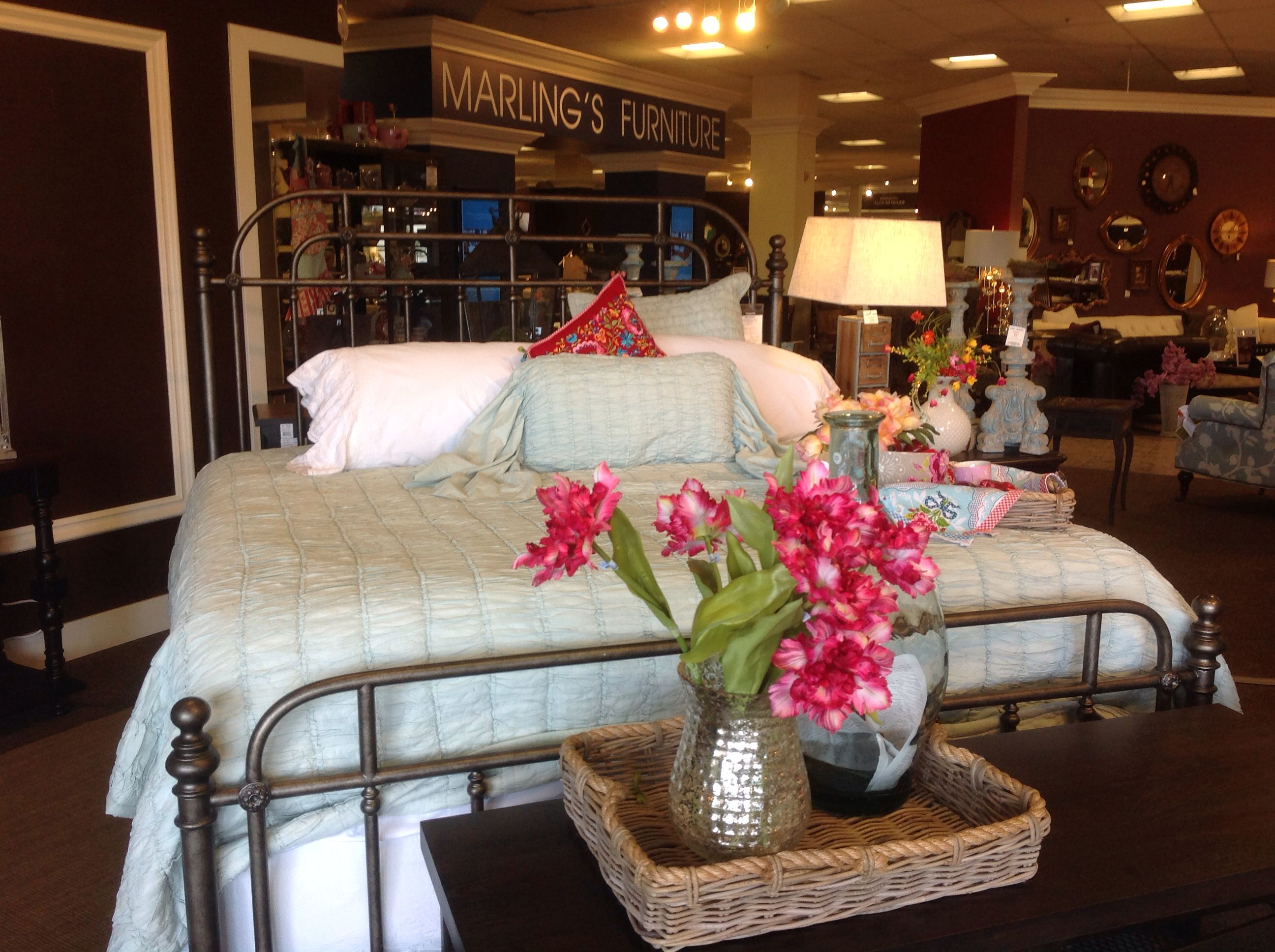 Perfect Metal Bed For Master Bedroom Check Out This Pullman Metal  # Muebles Pullman