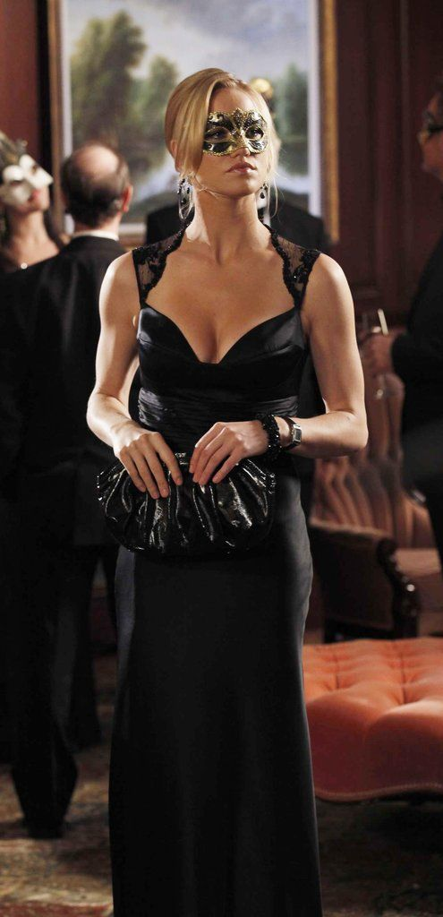 bb486670f836 Cool Yvonne Strahovski as Agent Sarah Walker in Chuck | Clothes ...