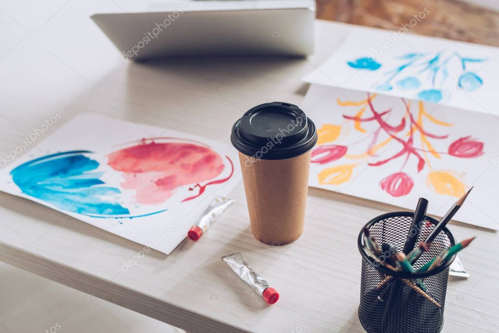 Tabletop Laptop Disposable Cup Paint Tubes Stationery Colorful