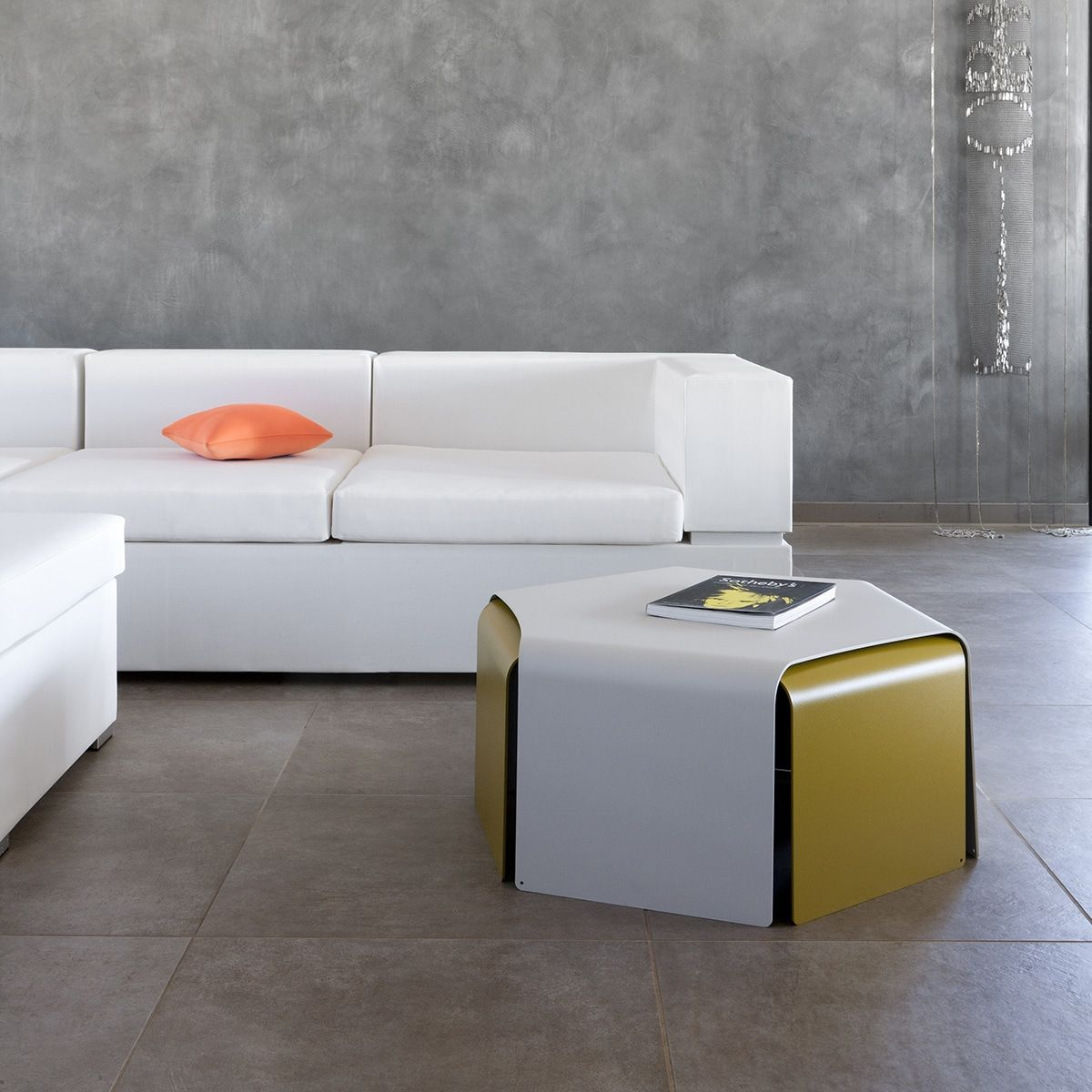 Tables Basses Ponant Empilables Matiere Grise En Offre Speciale Sur Zeeloft Table Basse Mobilier De Salon Mobilier Design