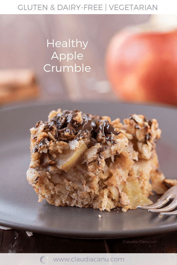 Apple Crumble with Oats - This apple crumble is a healthy recipe because it s made only with natural ingredients. It s dairy-free, gluten-free and refined sugar free.  