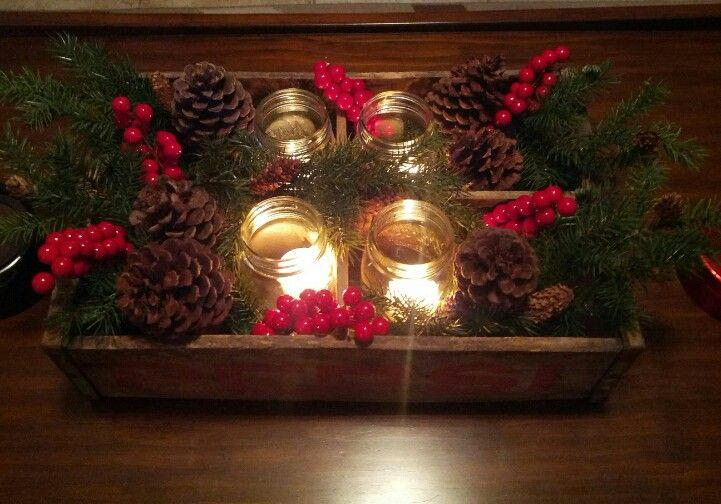 Another Picture Of My Christmas Coffee Table Centerpiece Done With Old Wooden Crate Box Mas Christmas Centerpieces Diy Christmas Mason Jars Xmas Centerpieces