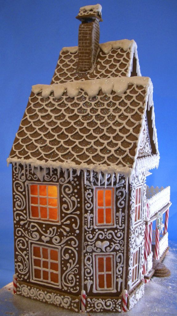 40+ Spectacular Gingerbread Houses | Art & Home #gingerbreadhousetemplate